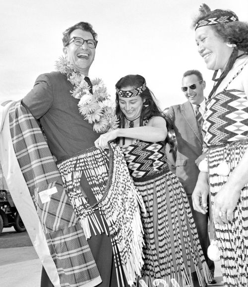 Dave Brubeck Quartet arriving at Wellington Airport, 28 March 1960.jpg