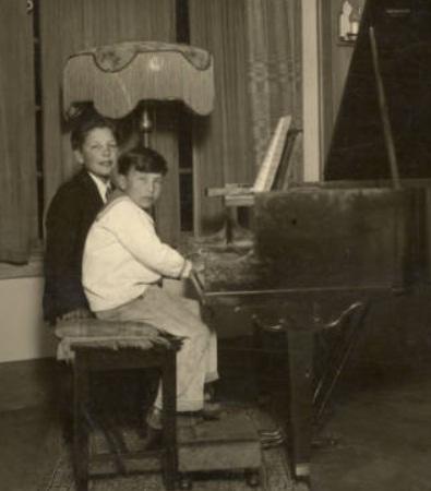 Howard 1927
